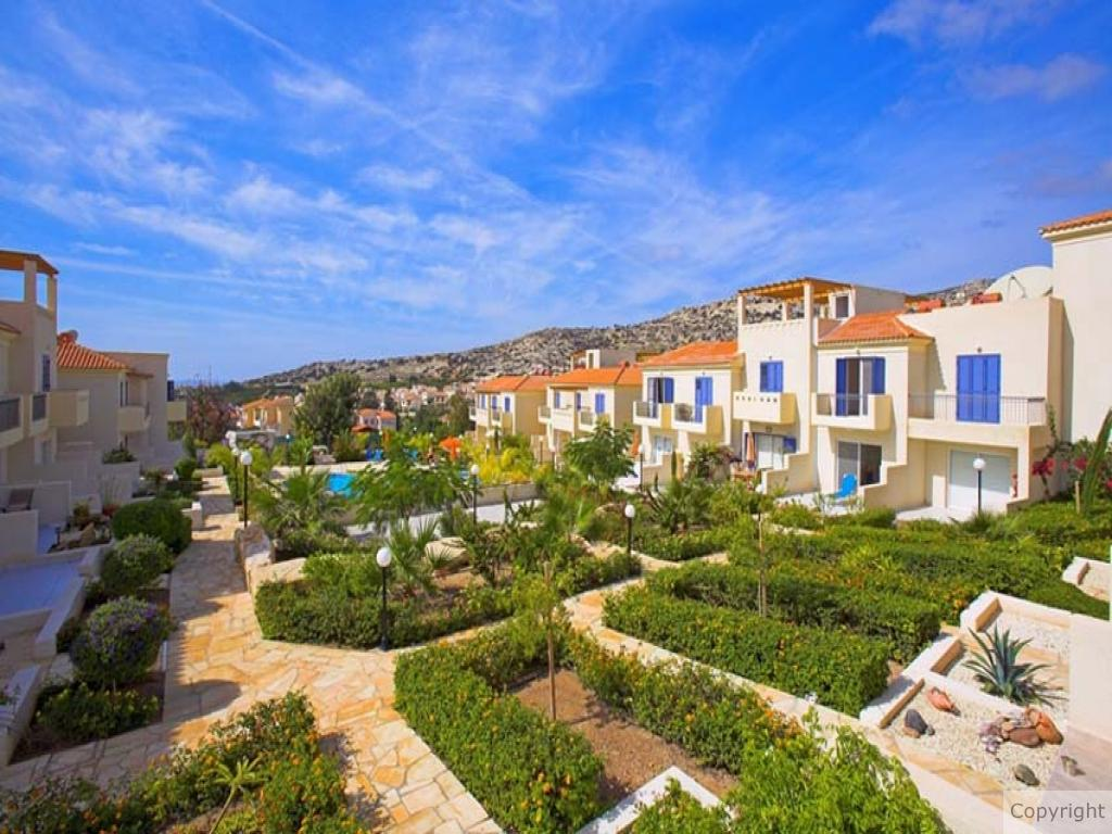 2 Bedroom - Townhouse - Pafos - For Sale